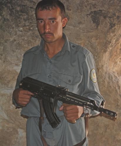 Afghanistan_Police_AK