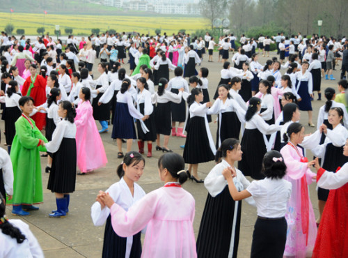 North-Korea-Dancing