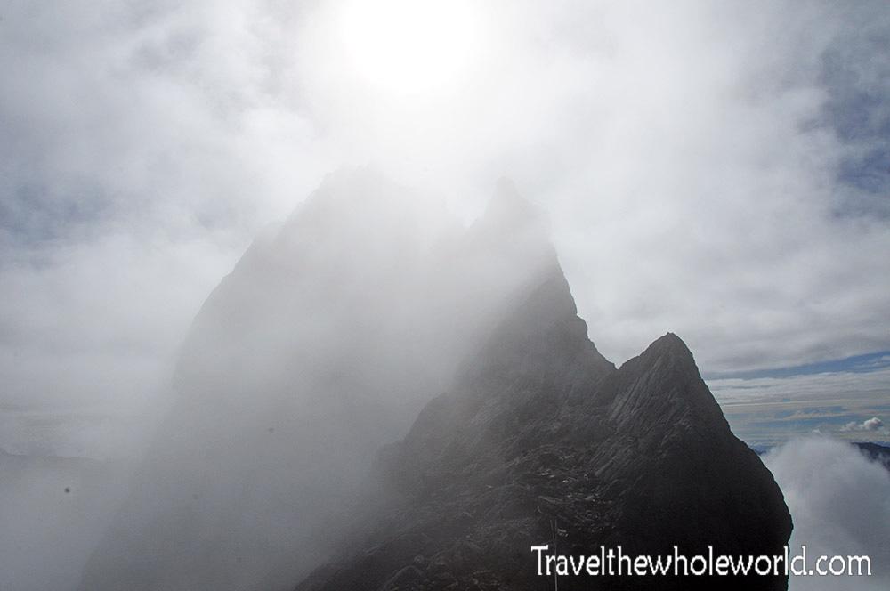 carstensz-pyramid-climb-summit-ridge