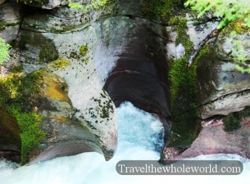 Montana-Glacier-Park-Avalanche-Creek-Hole