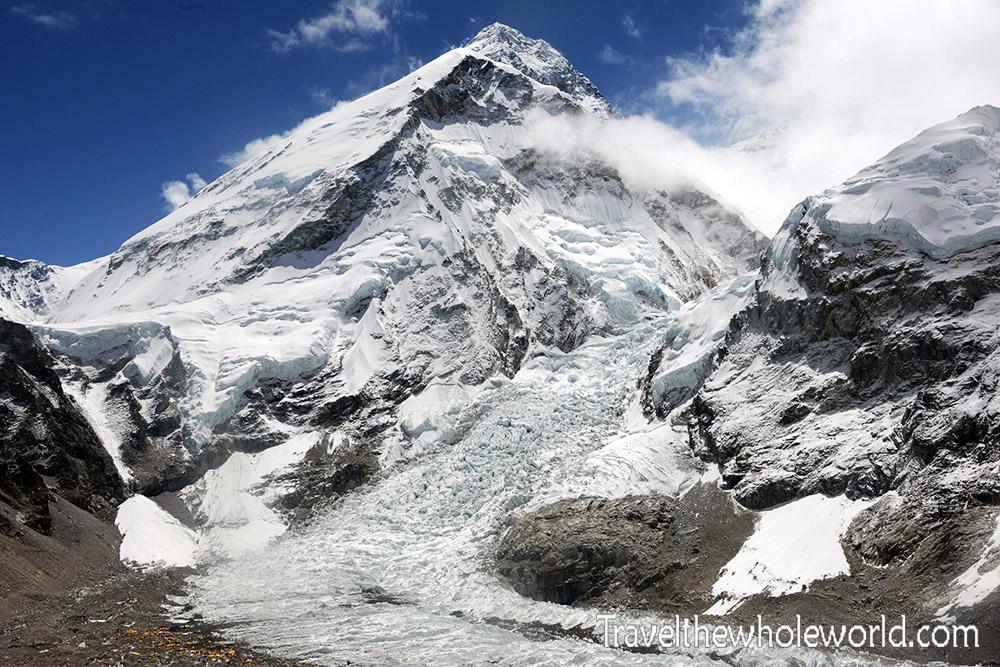 nepal-khumbu-valley-pumori-peak-everest-view