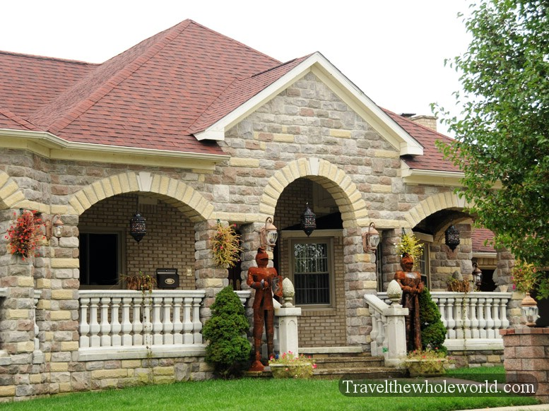 Traveling in dearborn for Tiny house holland michigan
