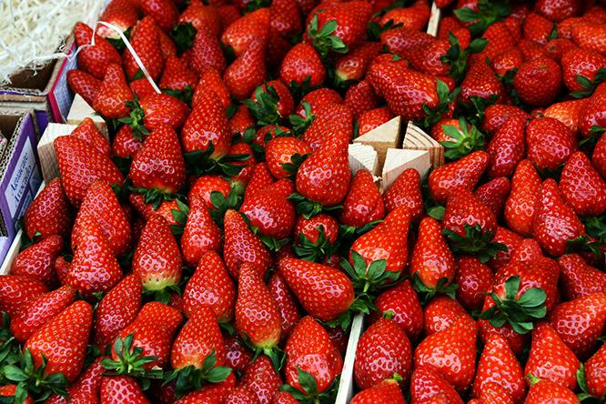 France Paris Market Strawberries