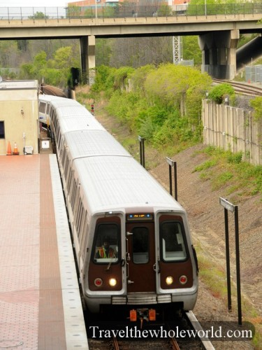 Virginia-Springfield-Metro-Train