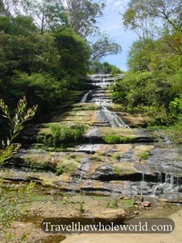 Australia-Blue-Moutains-Falls