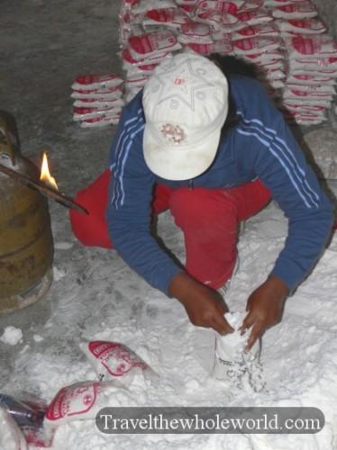 Bolivia Uyuni Salt Packing