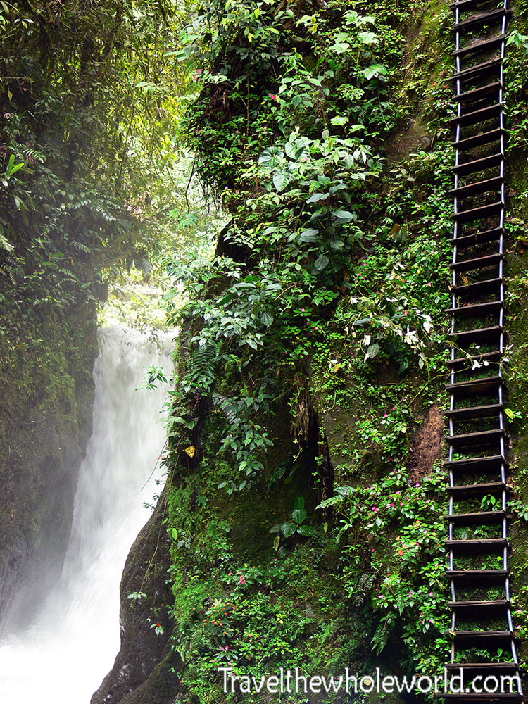 Ecuador Cloud Forest Namibillo Waterfall