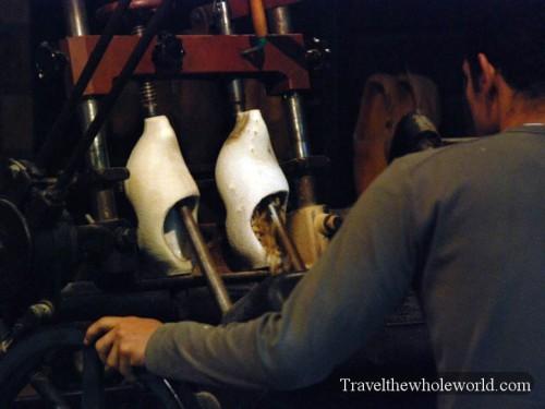 Netherlands_Wooden_Shoe_Shop2