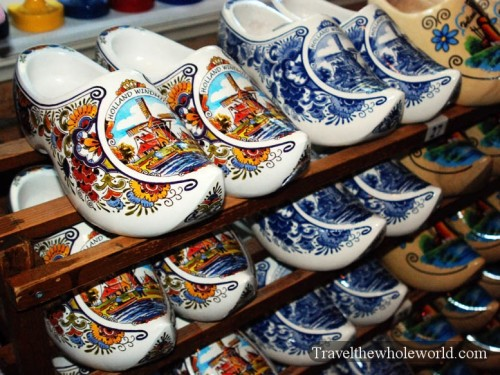 Netherlands_Wooden_Shoes