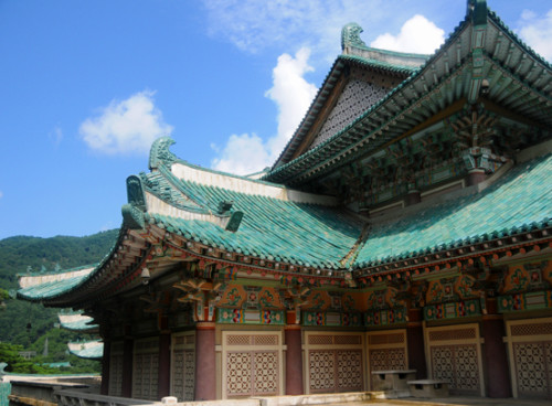 North-Korea-Myoyang-Friendship-Hall-Top