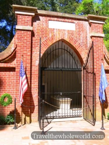 Virginia George Washington's Tomb