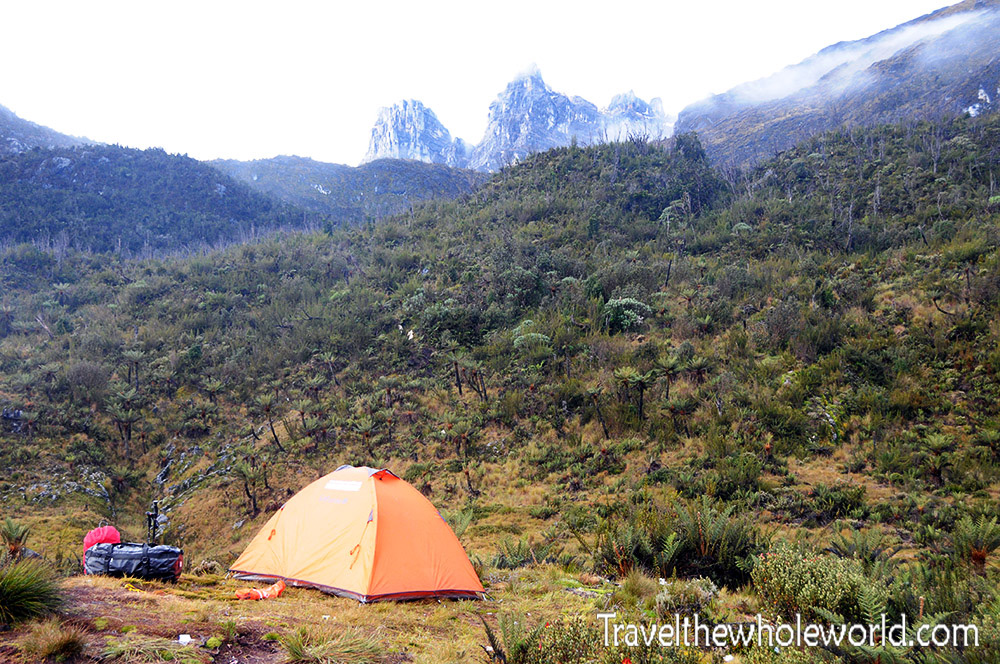 Carstensz-Pyramid-Camp4-Tent