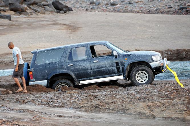 Djibouti SUV Stuck