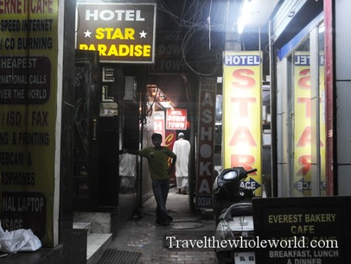 India-New-Delhi-Hotel-Alley