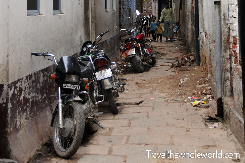 India Varanasi Alley