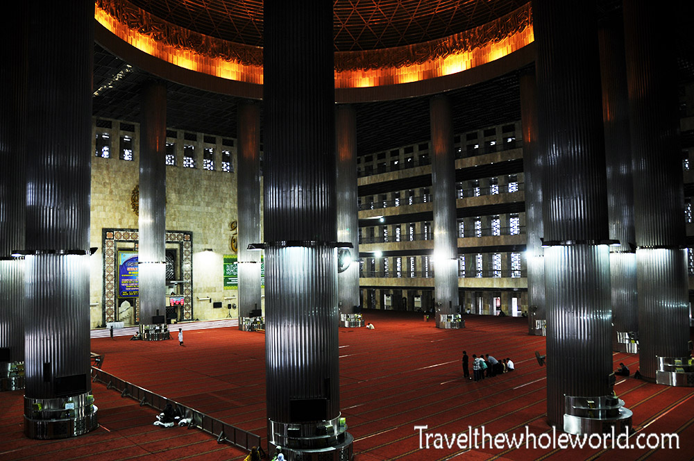 Travel Photos Indonesia Jakarta Istiqlal Mosque Inside
