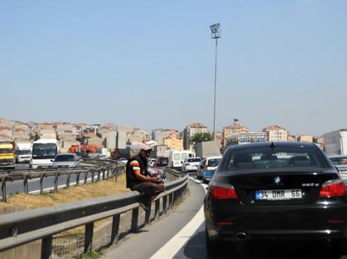 Turkey Istanbul Highway Vendor