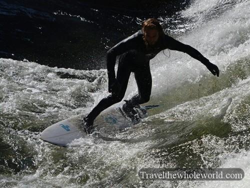 Munich English Park Surfing