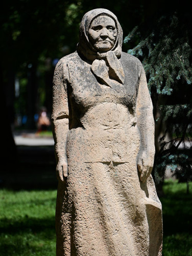 Kyrgyzstan Bishkek Park Statue