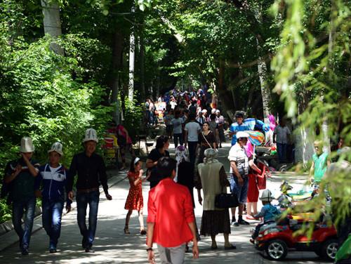 Kyrgyzstan Osh Amusement Park People