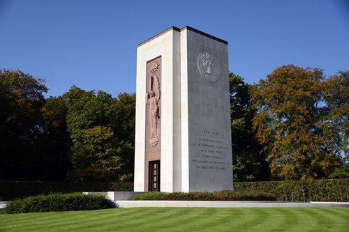 Luxembourg-American-Cemetery-Memorial