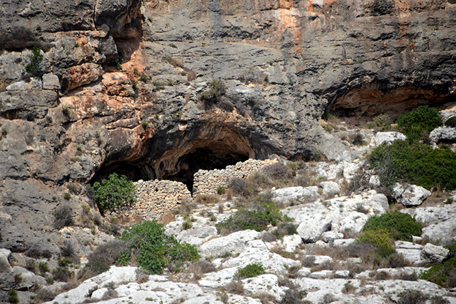 Malta Caves