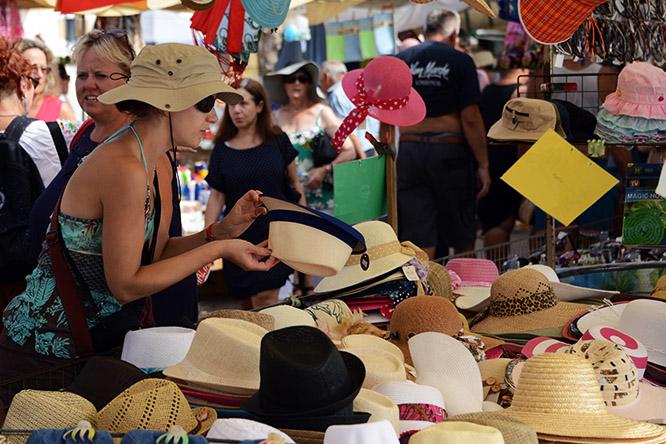 Malta Marsaxlokk Shopping Hats
