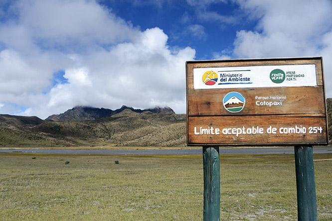 Ecuador-Cotopaxi Lake Limpiopunku Sign