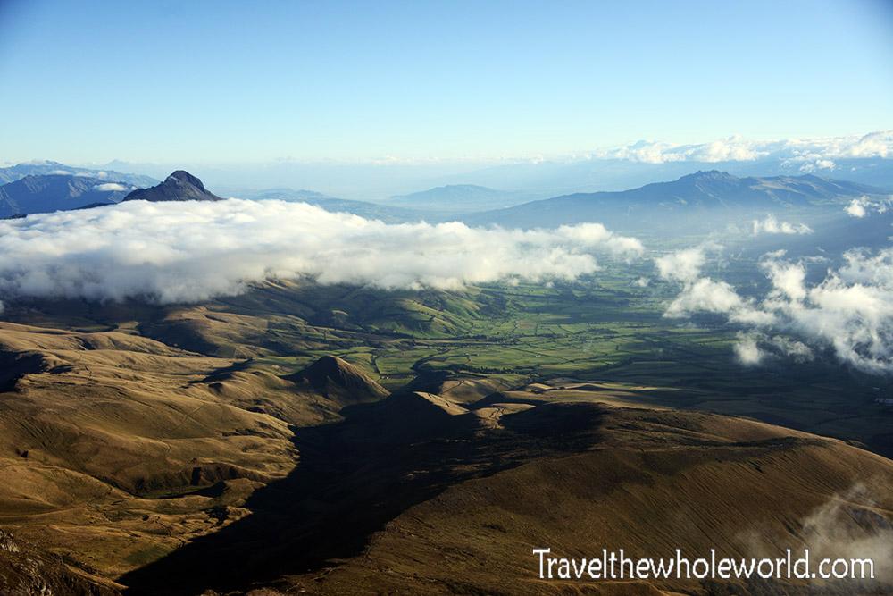 Ecuador Illiniza View