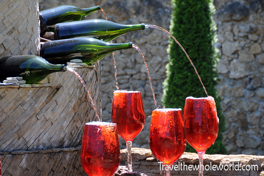 Milestii Mici Wine Fountain
