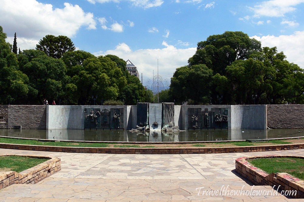 Mendoza Independence Plaza