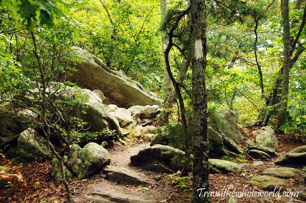 Virginia Appalachian Trail McAfee Knob Hiking Trail