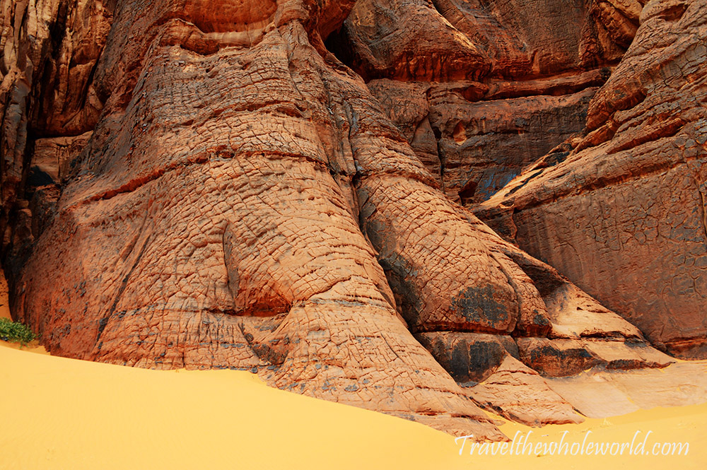 Sahara Sandstone Rock Wall