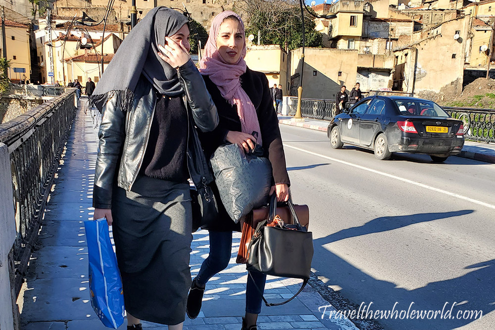 Algeria Women Shopping